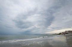 Θάλασσα μπλε ουρανού και aquamarine Στοκ εικόνα με δικαίωμα ελεύθερης χρήσης