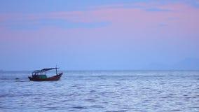 Θάλασσα της Νότιας Κίνας με το μήκος σε πόδηα αποθεμάτων αλιευτικών σκαφών απόθεμα βίντεο
