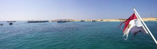 Θάλασσα Hurghada με μια αιγυπτιακή σημαία Στοκ φωτογραφία με δικαίωμα ελεύθερης χρήσης