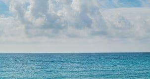 Θάλασσα, seascape, ωκεανός, υπόβαθρο φύσης, ειδυλλιακό seascape Επιφάνεια θαλάσσιου νερού, κίνηση σύννεφων timelapse απόθεμα βίντεο