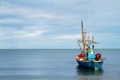Θάλασσα και βάρκα Στοκ Εικόνες