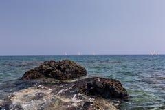 Θάλασσα και βουνά Στοκ Εικόνες