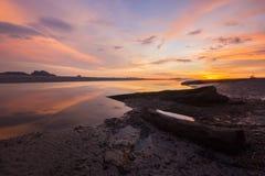 Θάλασσα και κορμός Στοκ Φωτογραφία