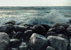 Θάλασσα και πέτρα Στοκ φωτογραφία με δικαίωμα ελεύθερης χρήσης