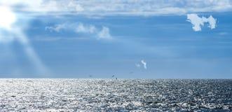 Θάλασσα και παραλία ήλιων Στοκ φωτογραφία με δικαίωμα ελεύθερης χρήσης