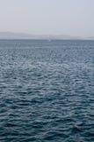 Θάλασσα με τη βάρκα Στοκ φωτογραφία με δικαίωμα ελεύθερης χρήσης