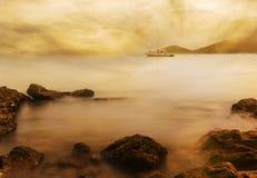 Θάλασσα με το ηλιοβασίλεμα και τη θύελλα σύννεφων Στοκ φωτογραφίες με δικαίωμα ελεύθερης χρήσης