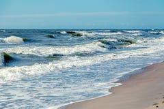 θάλασσα παραλιών θυελλώδης Στοκ εικόνα με δικαίωμα ελεύθερης χρήσης