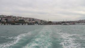 Θάλασσα που ταξιδεύει, πόλη της Ιστανμπούλ, το Δεκέμβριο του 2016, Τουρκία απόθεμα βίντεο