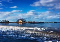 θάλασσα σπιτιών Το σύνολο παλατιών και πάρκων Στοκ Εικόνες