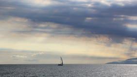 Θάλασσα στο ηλιοβασίλεμα Στοκ Εικόνες