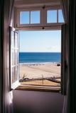 θάλασσα στο παράθυρο Στοκ φωτογραφίες με δικαίωμα ελεύθερης χρήσης