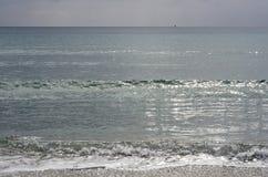 Θάλασσα στο wintertime πριν από τη θύελλα Τοπίο της Σαρδηνίας Στοκ Φωτογραφία