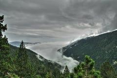 Θάλασσα σύννεφων στο Pyrenean τοπίο στο Aude, Γαλλία στοκ εικόνες με δικαίωμα ελεύθερης χρήσης