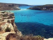 Θάλασσα του νησιού LAMPEDUSA στην Ιταλία στοκ φωτογραφίες