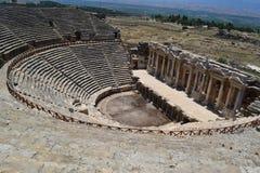 Θέατρο αρχαίου Έλληνα σε Hierapolis Στοκ Φωτογραφία