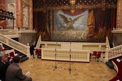 Θέατρο ερημητηρίων στην αίθουσα του παλαιού ευρωπαϊκού θεάτρου Στοκ εικόνα με δικαίωμα ελεύθερης χρήσης