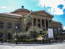 Θέατρο του Massimo στο Παλέρμο, Σικελία Στοκ εικόνες με δικαίωμα ελεύθερης χρήσης