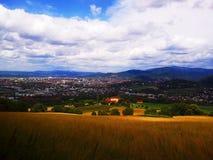 Θέα βουνού - άποψη πόλεων στοκ εικόνες
