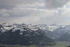 Θέα βουνού από κακό Kissinger HÃ ¼ tte Στοκ Φωτογραφία