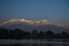 Θέα βουνού σε Pokhara Νεπάλ Στοκ Εικόνες