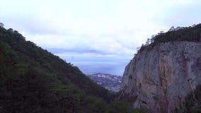 Θέα βουνού στην Κριμαία Πέτρινο δάσος απόθεμα βίντεο