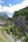 Θέα βουνού του φαραγγιού Tsey Δημοκρατία της Βόρειας Οσετίας - Alania, Ρωσία Στοκ Φωτογραφίες