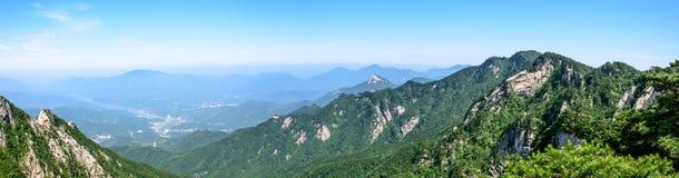 Θέα βουνού του φυσικού σημείου Tian TangZhai Στοκ Φωτογραφίες