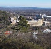 Θέα βουνού των διάφορων κτηρίων στοκ φωτογραφίες