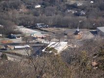 Θέα βουνού των διάφορων κτηρίων στοκ φωτογραφία με δικαίωμα ελεύθερης χρήσης