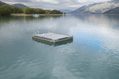 Θέες βουνού, ρεύματα και λίμνες της Νέας Ζηλανδίας δ Υ Στοκ εικόνες με δικαίωμα ελεύθερης χρήσης