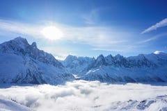 Θέες βουνού σε Chamonix περιοδεύοντας σκι στοκ φωτογραφία