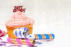 θέμα γενεθλίων cupcake Στοκ εικόνα με δικαίωμα ελεύθερης χρήσης