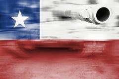 Θέμα στρατιωτικής δύναμης, δεξαμενή θαμπάδων κινήσεων με τη σημαία της Χιλής Στοκ εικόνα με δικαίωμα ελεύθερης χρήσης