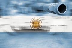 Θέμα στρατιωτικής δύναμης, δεξαμενή θαμπάδων κινήσεων με τη σημαία της Αργεντινής Στοκ φωτογραφία με δικαίωμα ελεύθερης χρήσης