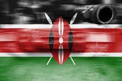 Θέμα στρατιωτικής δύναμης, δεξαμενή θαμπάδων κινήσεων με τη σημαία της Κένυας Στοκ φωτογραφία με δικαίωμα ελεύθερης χρήσης
