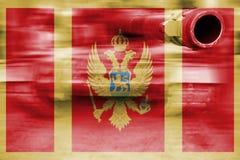 Θέμα στρατιωτικής δύναμης, δεξαμενή θαμπάδων κινήσεων με τη σημαία του Μαυροβουνίου Στοκ Εικόνες