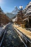 Θέμα Vispa και Matterhorn στο υπόβαθρο Στοκ Φωτογραφία