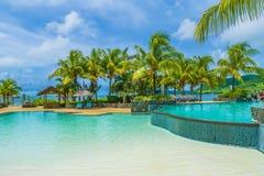 Θέρετρο πολυτέλειας με την πισίνα, νησί του Μαυρίκιου στοκ εικόνες με δικαίωμα ελεύθερης χρήσης