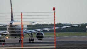 Θέση έναρξης αεροπλάνων πριν από την αναχώρηση απόθεμα βίντεο