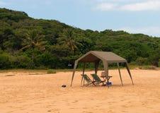 Θέση για να στηριχτεί στην άγρια παραλία του Ινδικού Ωκεανού Μοζαμβίκη Αφρική στοκ φωτογραφία με δικαίωμα ελεύθερης χρήσης