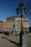 Θέση και άγαλμα λαμπτήρων Στοκ φωτογραφία με δικαίωμα ελεύθερης χρήσης
