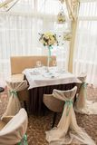 θέση κομμάτων γαμήλιας πολυτέλειας Εσωτερικό εστιατορίων Στοκ φωτογραφίες με δικαίωμα ελεύθερης χρήσης