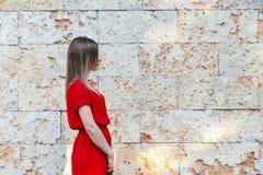 θέτοντας νεολαίες γυνα Στοκ Εικόνες