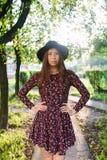θέτοντας νεολαίες κοριτσιών Στοκ Φωτογραφίες