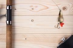 Θέλγητρο, ράβδος και εξέλικτρο αλιείας Στοκ Φωτογραφία