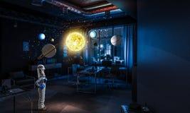 Θέλει να γίνει αστροναύτης Μικτά μέσα Στοκ Φωτογραφία