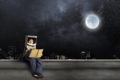 Θέλει να γίνει αστροναύτης Στοκ φωτογραφία με δικαίωμα ελεύθερης χρήσης