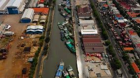Θαλάσσιος λιμένας φορτίου και επιβατών στο Surabaya, Ιάβα, Ινδονησία στοκ εικόνα με δικαίωμα ελεύθερης χρήσης