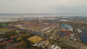 Θαλάσσιος λιμένας φορτίου και επιβατών στο Surabaya, Ιάβα, Ινδονησία στοκ εικόνες
